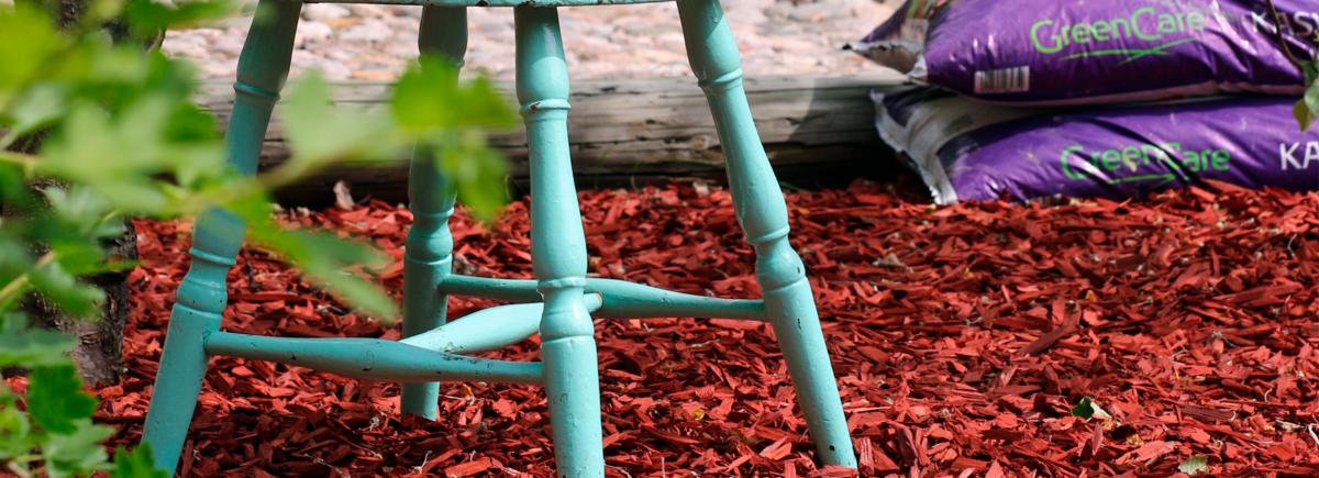 Puutarhakatteen käyttö viimeistelee puutarhan